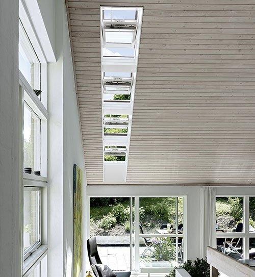 dachfenster velux lichtband schwingfenster holzland beese - Dachfenster