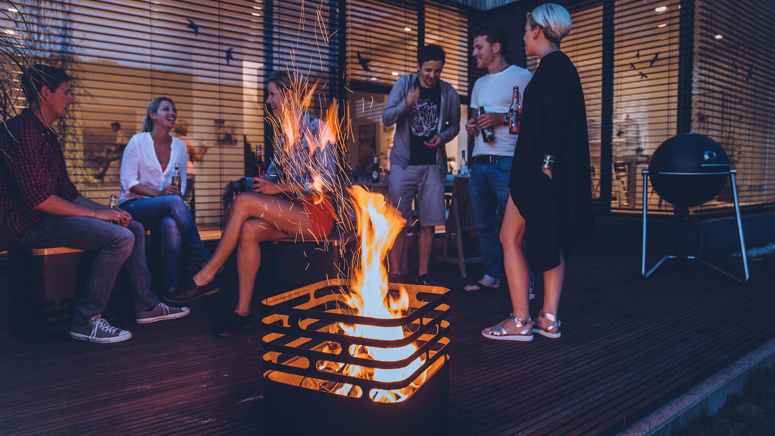 Grills und Lagerfeuer
