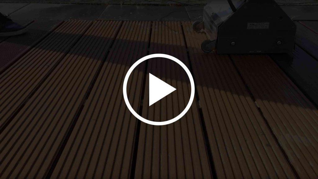 WPC-Terrassendielen mit dem Terrassenboy reinigen