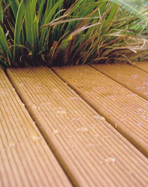 Holz-Terrassendielen Bangkirai von Osmo bei HolzLand Beese