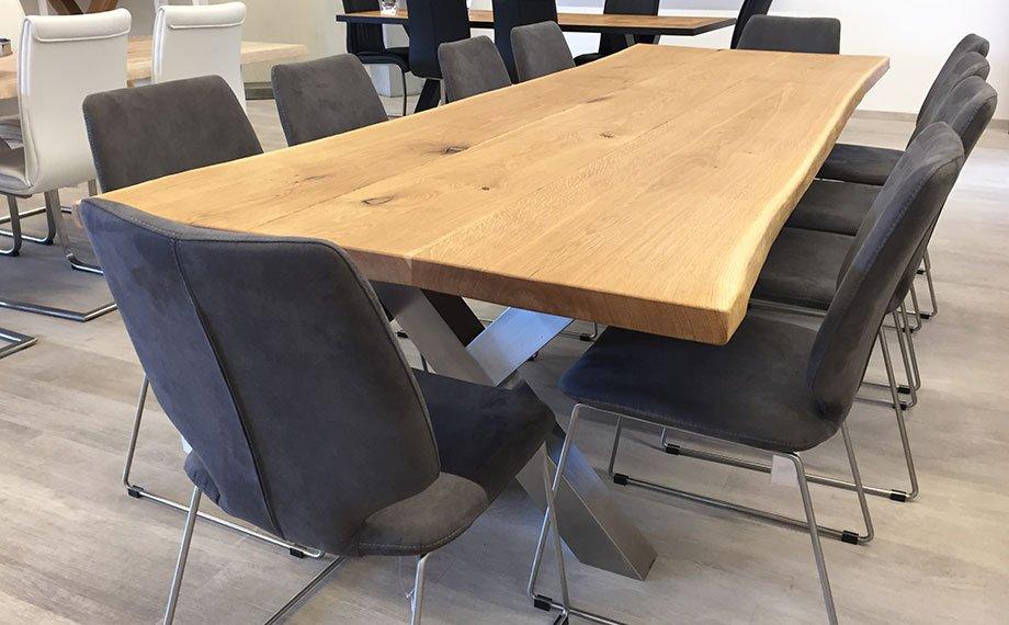 ausstellung beesondere tische baumkantentisch holzland beese - Dein BEESonderer Baumkantentisch