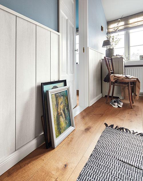 wand und decken paneele weiss flur classic bocado holzland beese - Modern und weiß: Deine neuen Wand- und Deckenpaneele