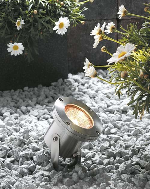 beleuchtung im garten mondo3 strahler holzland beese - Wie Gartenleuchten Traumräume gestalten