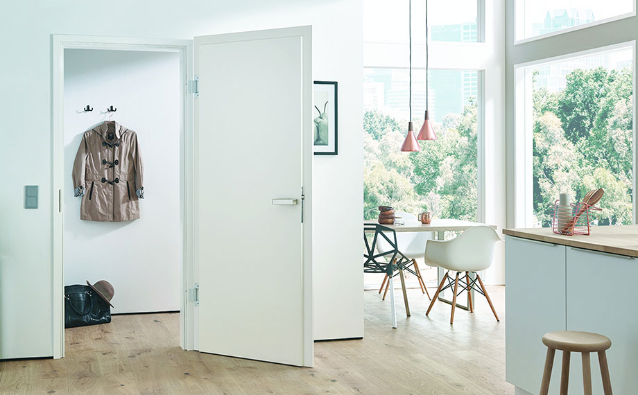 Weißlacktüren: Hier in einer Wohnküche (HolzLand Beese in Unna, Raum Dortmund)