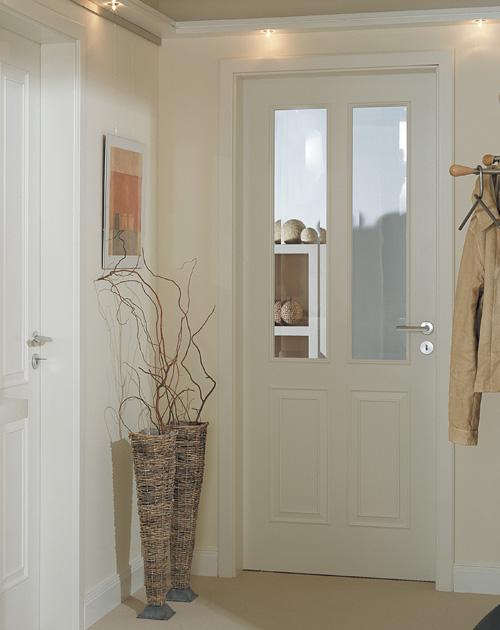 Weißlacktüren: Hier als Stiltür mit Glaseinsätzen im Flur (HolzLand Beese in Unna, Raum Dortmund)