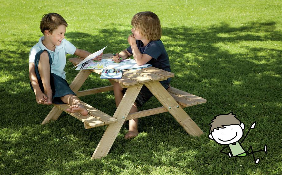 Spielgeräte im Garten: Sitzgruppe für den Nachwuchs bei HolzLand Beese in Unna (Raum Dortmund)