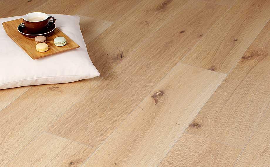 Sieht aus wie Eiche: Designboden Ceralan bei HolzLand Beese in Unna (bei Dortmund)