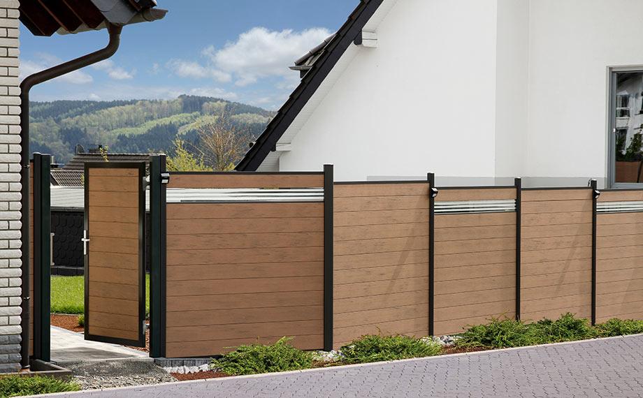 WPC-Sichtschutzzaun in klassischer Holzoptik mit Lichtleisten von HolzLand Beese in Unna