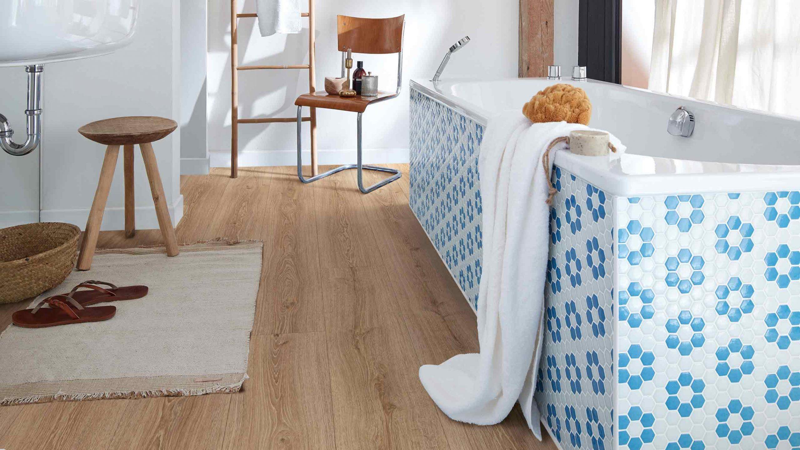 Designboden auf Fliesen. Bei Holzland Beese in Unna geht das – sogar in Bad und Küche!