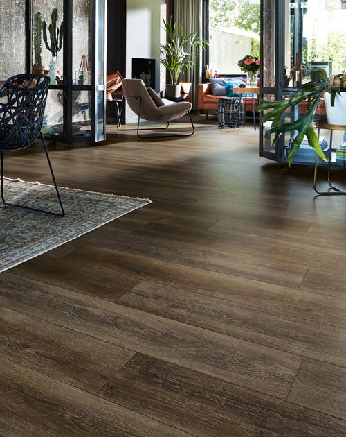 designboden verlegen wohnraum holzland beese unna - Ratgeber Renovierung: Designboden auf Fliesen verlegen – geht das? [Serie]