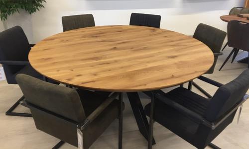 form rund holzland beese unna - Verwandlungskünstler: Ein Holztisch für jeden Raum
