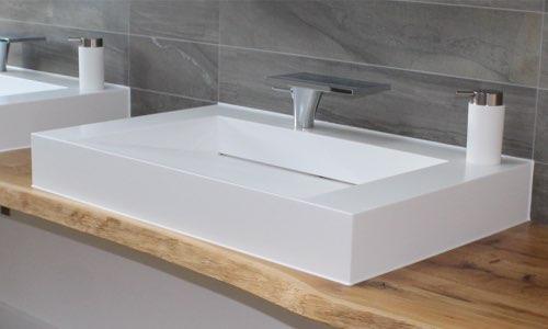 waschtisch badezimmer holzland beese unna - Verwandlungskünstler: Ein Holztisch für jeden Raum