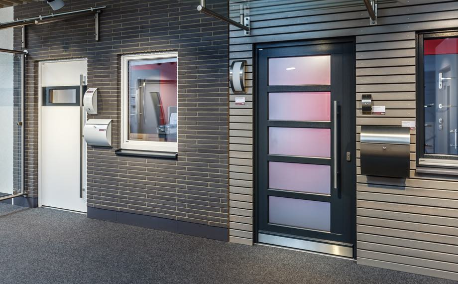 ausstellung deine haustuer im baukastensystem holzland beese unna - Wohn Dich glücklich: Deine Haustür im Baukastensystem [Serie]